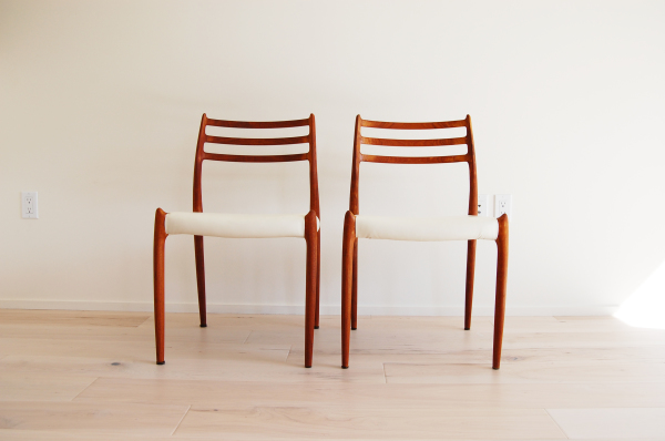Danish modern, mcm, mod, Scandinavian, home decor, teak, dining chairs, pair, jl moller, niels otto moller, model 78, white upholstery, vintage dining room furniture,